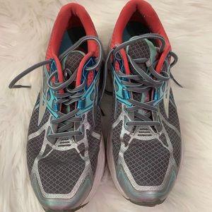 Brooks Ravenna 7 running shoes, size 11